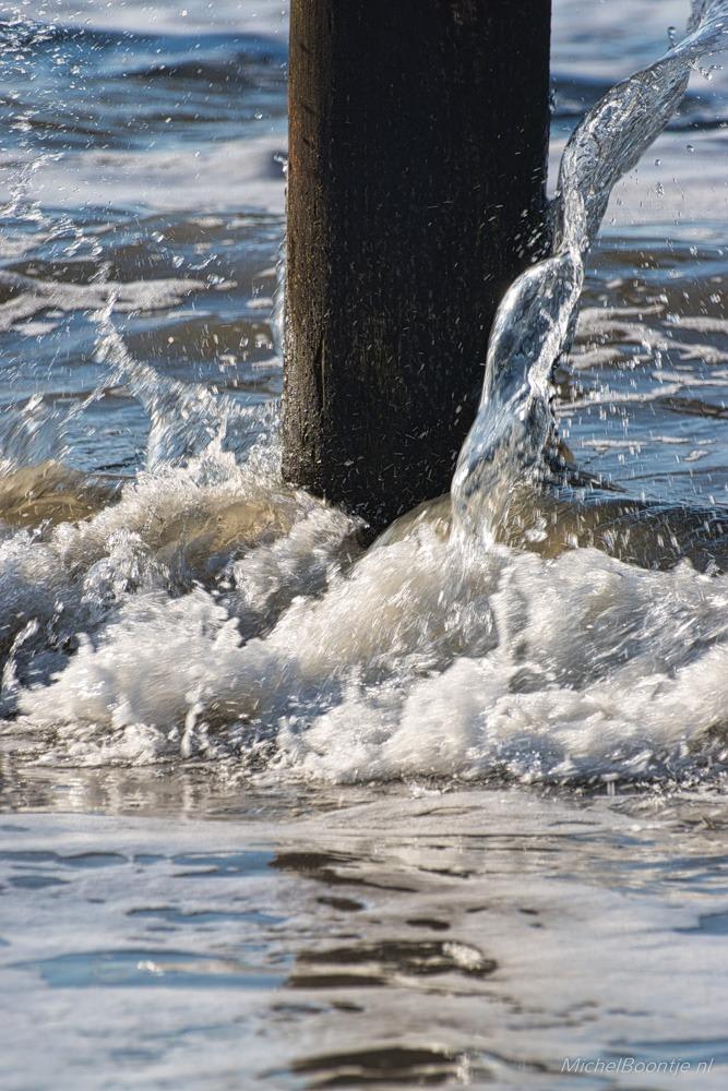 Opspattend water bij Palendorp Petten